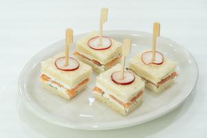 실습 2 : 식빵을 활용한 연어 크림치즈 샌드위치
